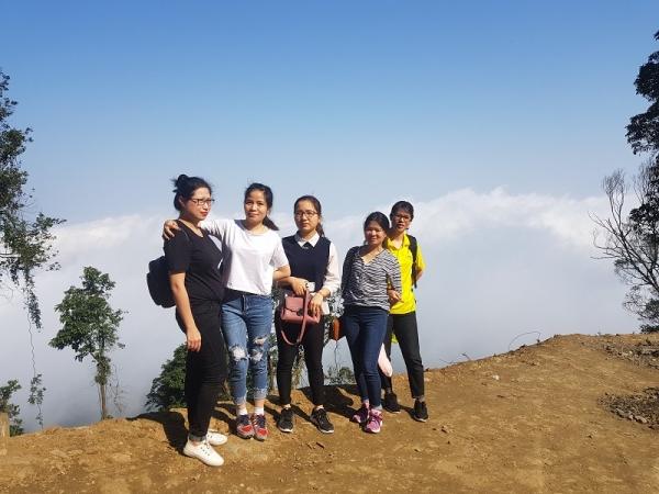 Nhân viên Dược Khang Linh hào hứng với chuyến vi vu tại Ba Vì